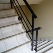 1--escaleras-del-edificio1318630204